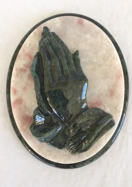 Betende Hände aus Edelserpentin
