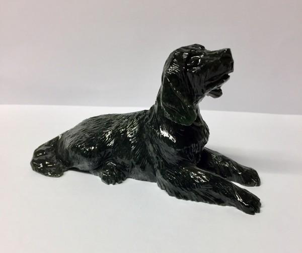 Hund aus Edelserpentin
