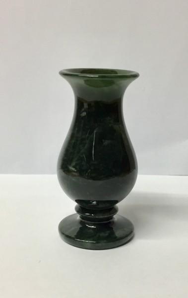 Vase aus Edelserpentin