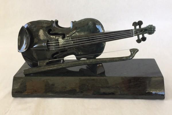 Geige aus Edelserpentin