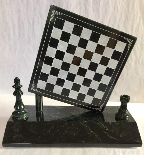 Schach aus Edelserpentin